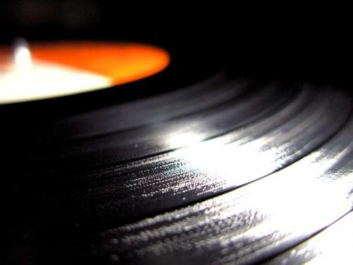 vinyl_by_intothesunset.jpg